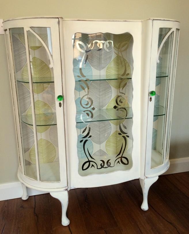 DIY Shabby Chic Liquor Cabinet