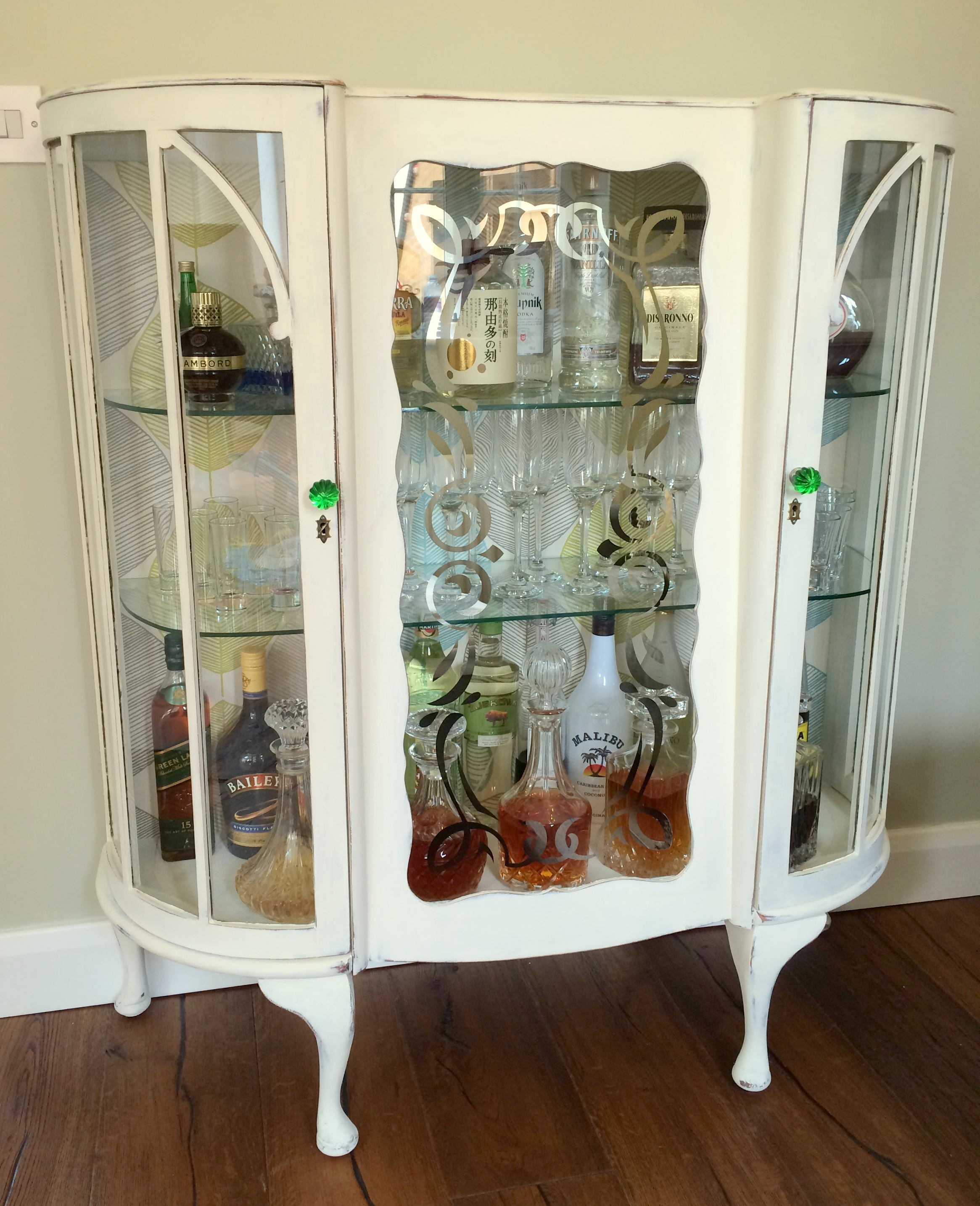 Diy Shabby Chic Liquor Cabinet From Old Sideboard Ingenious Nesting