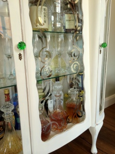 DIY Shabby Chic Liquor Cabinet22