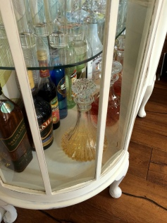 DIY Shabby Chic Liquor Cabinet5