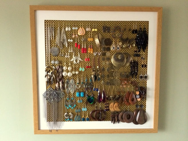 DIY Picture Frame Earring Holder Organizer1